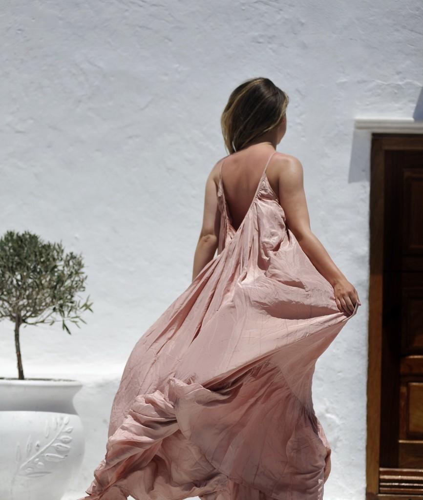 long silk dress. Mykonos outfit . Mykonos. Andreea Cristea, Stilettoshades